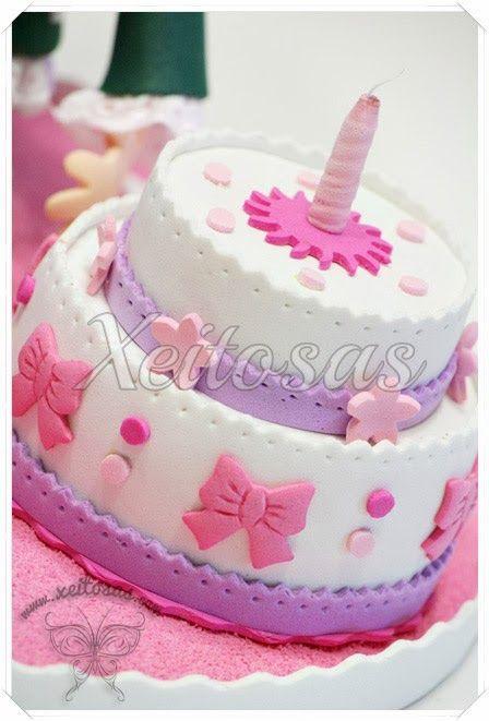 Fofucha bebé personalizada con chupete y tarta de cumpleaños