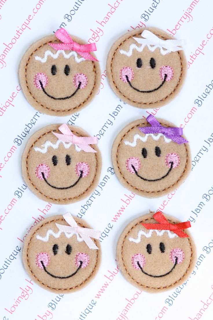 Embroidered Felt Gingerbread Girl Faces with Bows (via Etsy)