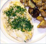 Pesce Arrosto al Forno con Patate all'Aglio e Rosmarino - Baked Fish and Potatoes with Rosemary and Garlic