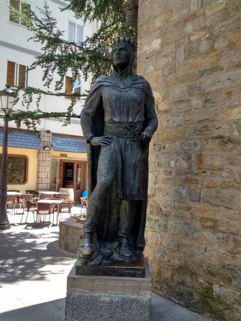 Ramiro I, en Jaca. Primer gran rey de Aragón. Biello Aragón.