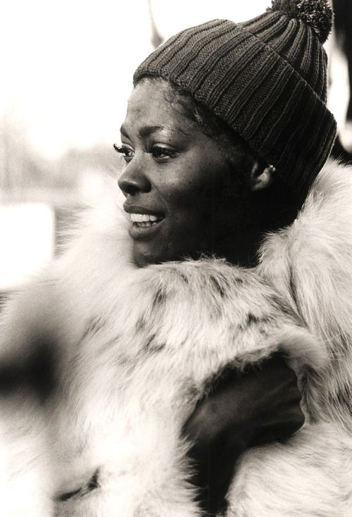 Amazing pic of Dionne Warwick