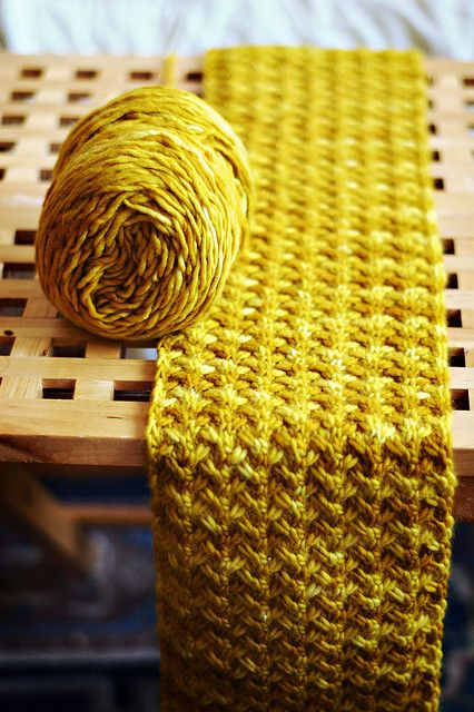 Shifting Sands Scarf by Grumperina. Worsted Merino yarn. Franck Ochre color.