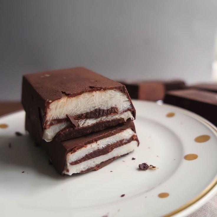 Vegane Kinder-Pingui: dieses schnelle Rezept zeigt, dass Veganer auf nichts verzichten müssen. Die süße Versuchung mit Schokolade: glutenfrei & gesund.
