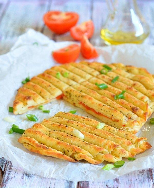 Гриль-лепешки с помидорами и чесноком. Приготовление теста на углях. Рецепты для пикника в кулинарном блоге Татьяны М.