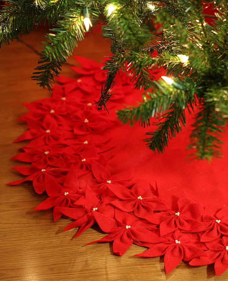 Felt Poinsettia Tree Skirt