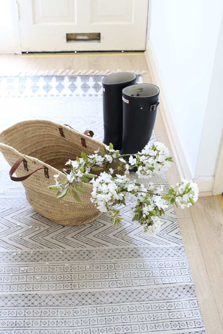 Farmhouse Foyer Rugs : Best entry rug ideas on pinterest entryway pink
