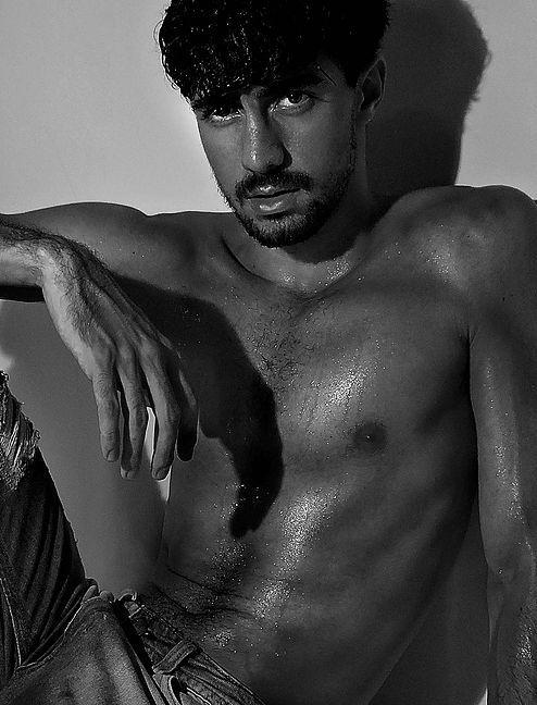 Conheça nosso casting de modelos masculinos. / Meet our cast of male models.