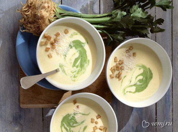 Крем-суп с сельдереем и гренками