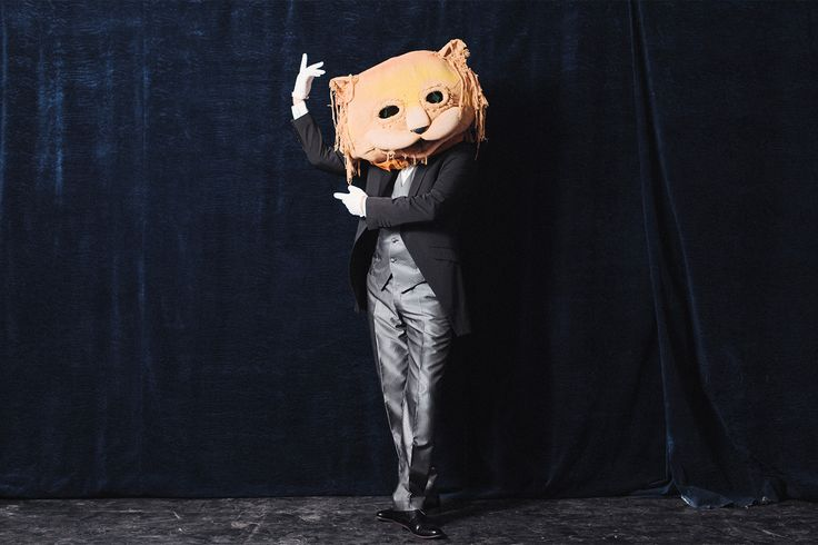A theatre actor who plays a cat in a children's play
