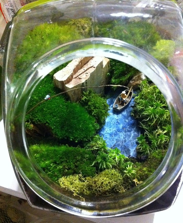 Ideally, I'd make a terrarium large enough to add a real working waterfall, but something like this would do in the meantime >>> Terrarium