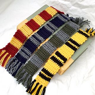 ravelry harry potter inspired bookmark pattern by megan meyer crochet book mark pinterest. Black Bedroom Furniture Sets. Home Design Ideas