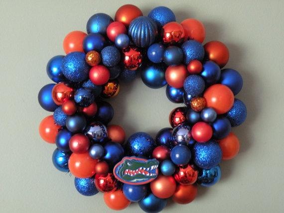 Need this for my Gator Christmas room!Football Time, Gator Wreaths, Xmas Wreaths, Football Wreaths, Florida Gator, Football Season, Ornaments Wreaths