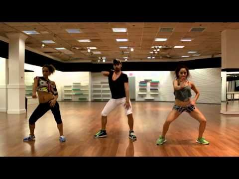 Sensazao Crew - Sensazao Dance Fitness. Drop It Low (Kat De Luna). I think Sensazao videos may be my  absolute favorites for far - it's like a dance PAAH-TAAY!!