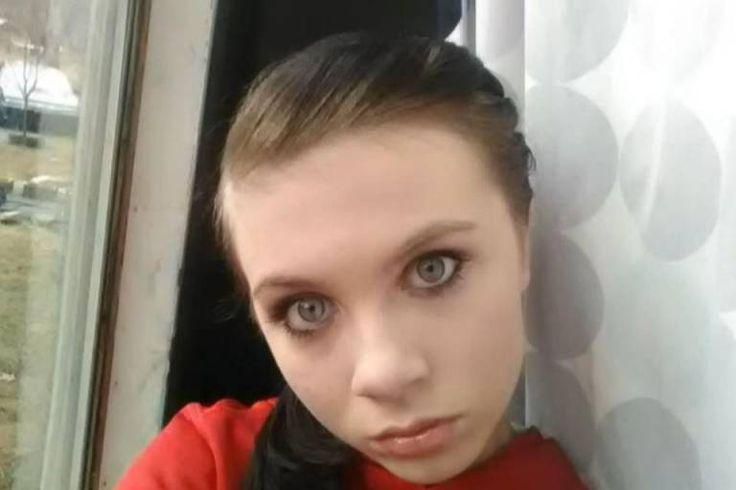 A adolescente Katelyn Nicole Davis em uma imagem tirada de uma rede social  Cristalino e palpável desequilíbrio, das faculdades mentais.   Impressionante Síntese do Reino do Mal em uma alma.