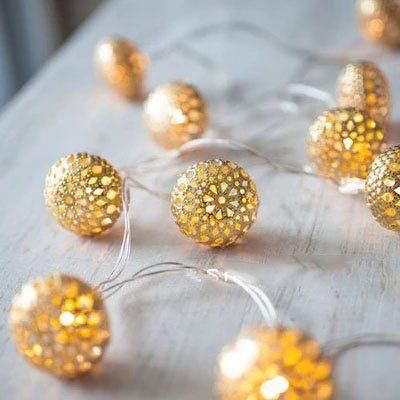 Uping® Led Lichterkette 12er Batterienbetriebene Marokko Bälle Globe Design für Party, Garten, Weihnachten, Halloween, Hochzeit, Beleuchtung Deko usw. 2,4M warm weiß [Energieklasse A+++]
