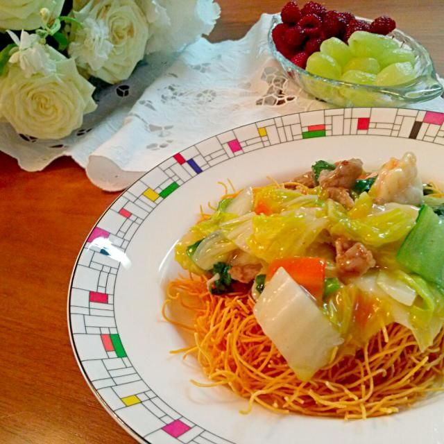 パリパリの麺が子供も大好き。野菜をたくさん入れてとろみはしっかり目に。 - 3件のもぐもぐ - 皿うどん by yuyuwoyu07106