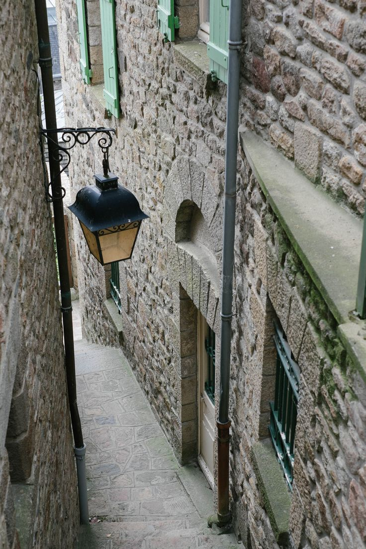 ruelle du mont-saint-michel | A journey through Medieval Period with octavia.net