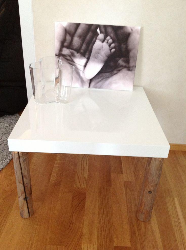 Pöytä ja maljakko