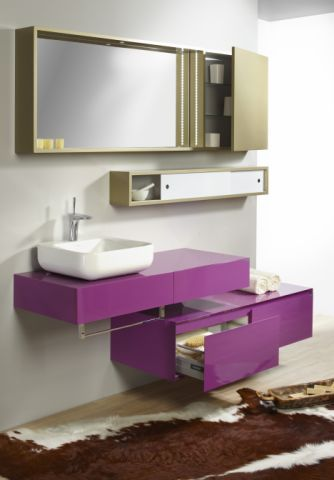 Unusual bathroom by Le Bon.