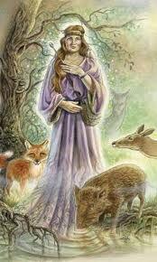 Na mitologia celta, Ceridwen era uma feiticeira, mãe de Taliesin, Morfran e a bela filha de Crearwy (ou Creirwy). Seu marido era Tegid Foel e viviam perto de Bala Lake, no País de Gales.