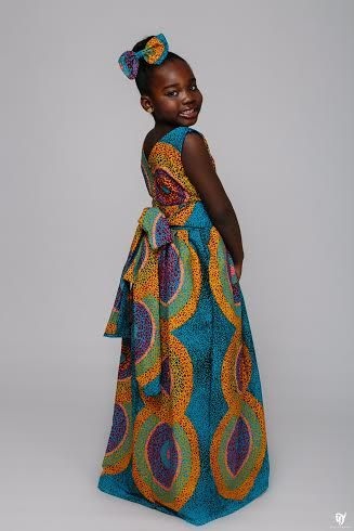Everyone loves to look Fabulous, and this Ankara designs by ÖFUURË is giving us many reasons to fall in love with Ankara all over again. Because of its versatility and… African children's fashion