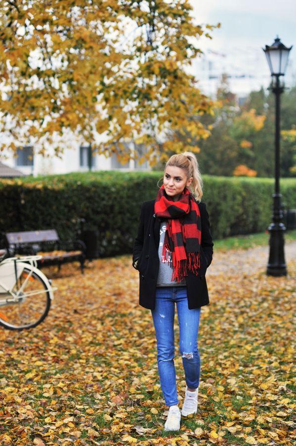 coat / płaszczyk – Aryton (tutaj znajdziecie mój model) jeansy / jeansy – Zara (obecna kolekcja)...