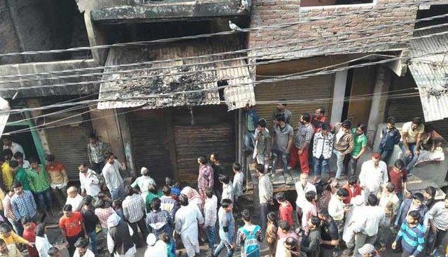 Ινδία: Φρικτός θάνατος στις φλόγες για 15 εργάτες: Τραγικό τέλος είχαν τα ξημερώματα τουλάχιστον 15 άνθρωποι στην Ινδία και αρκετοί…