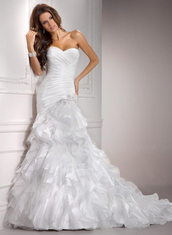 108 best fit flare wedding dress images on pinterest for Wedding dresses for big hips