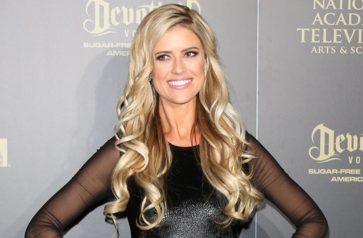 Christina El Moussa flaunts her bikini bod, cuddles with boyfriend Doug Spedding over 4th of July -- see pics!