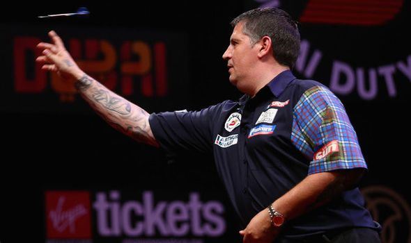 Gary Anderson cuts Christmas short in his bid to retain PDC World Darts Championship title