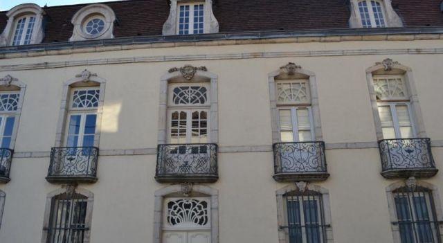 Les Charmottes - #Apartments - $189 - #Hotels #France #Nuits-Saint-Georges http://www.justigo.co.nz/hotels/france/nuits-saint-georges/les-charmottes_82306.html