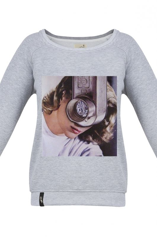MATRYOSHKA GRACE KELLY Very feminine sweatshirt made of high quality fabric in gray. Beautifully finished, with a fashionable cut, specially designed with comfort in mind. Composition: 95% cotton, 5% polyester. Durable print, made digitally. Graphic created specifically for Meet The Llama by an extremely talented, Polish collage artist, Moni Wilk. The series of prints from Moni is characterized by a climate of dreams.  #meetthellama #funkypyjama #sweatshirt #women #graphic #pyjama