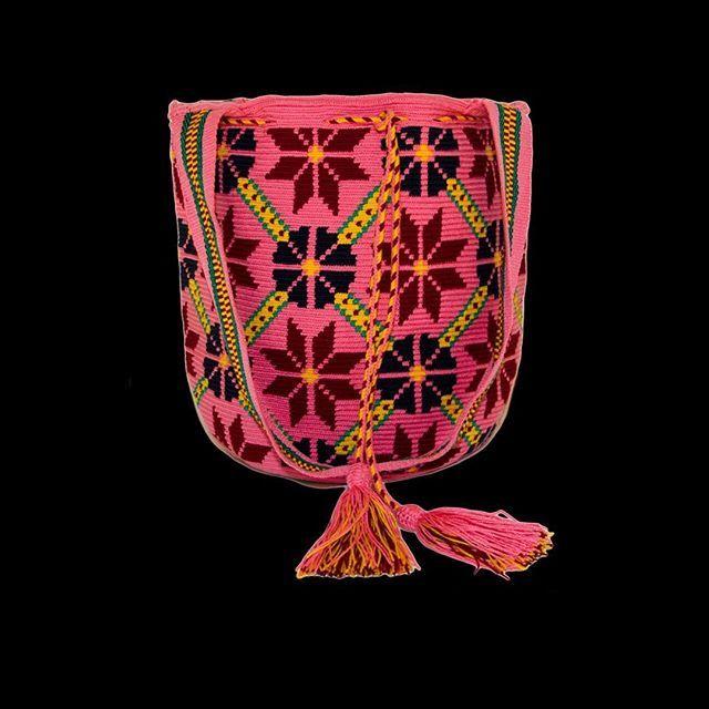 Looking for partners 🤗  #ngo #❤️ #wayuu #style #ethicalfashion #indigenousrights #culture #anthropology #ootd #love #mochila #fairwagesforwayuu #handmade #instagood #instadaily #boho #fashion #itbag #outfit #glam #fashionblogger  #motherearth #ethnocouture #korea #칠라백 #와유백 #핸드메이드가방 #가방 #tokio #china