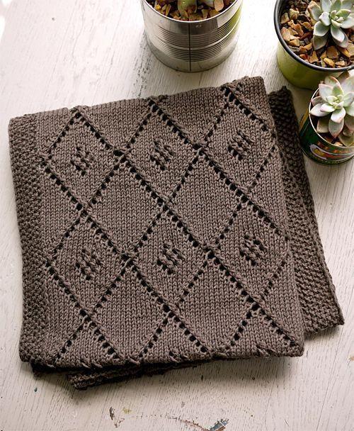 Free knitting pattern | Chocolate Parfait baby blanket | Diamond lattice motif