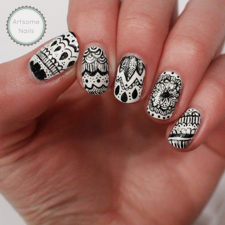 Zentangle nail art by ArtsomeNails