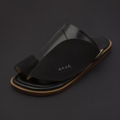 a09f8db99 حذاء شرقي شمواه أسود SS1877 | Gulf Footwear | Sunglasses case ...