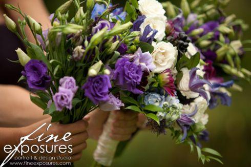 purple lisianthus bridesmaid bouquets | photo: www.fineexposures.com