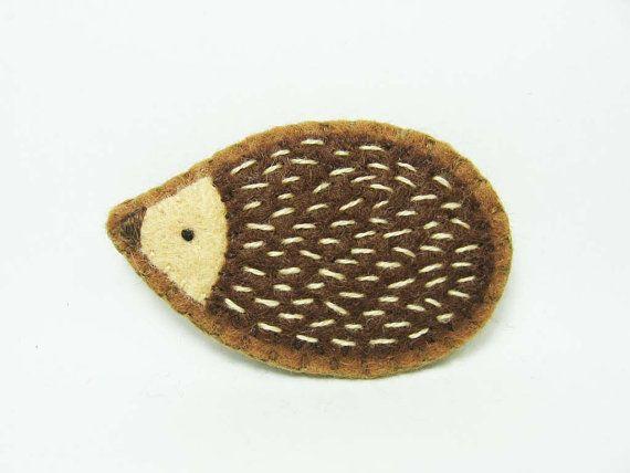 Friendly hedgehog felt pin/applique