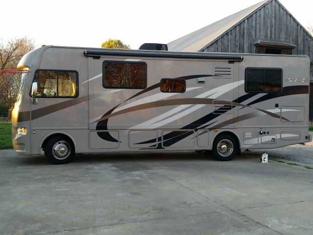 2014 Used Thor Motor Coach A.C.E EVO 29.2 Class A in Kentucky KY.Recreational Vehicle, rv, 2014 Thor Motor Coach A.C.E EVO 29.2, You will love this motorhome, and at a great low price! This beauty has never been slept in, never cooked in, never been to a campground and the plumbing never used. Its nearly brand new interior was used only as a mobile office. A 299 point check was completed to check the correct functioning of every item. The motorhome has been fully maintained and is in…