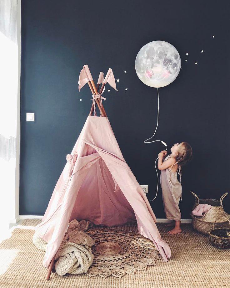 #chambre #enfant #teepee #girlroom #lune #bleu #nuit #rose #Pink #bleu #night #moon