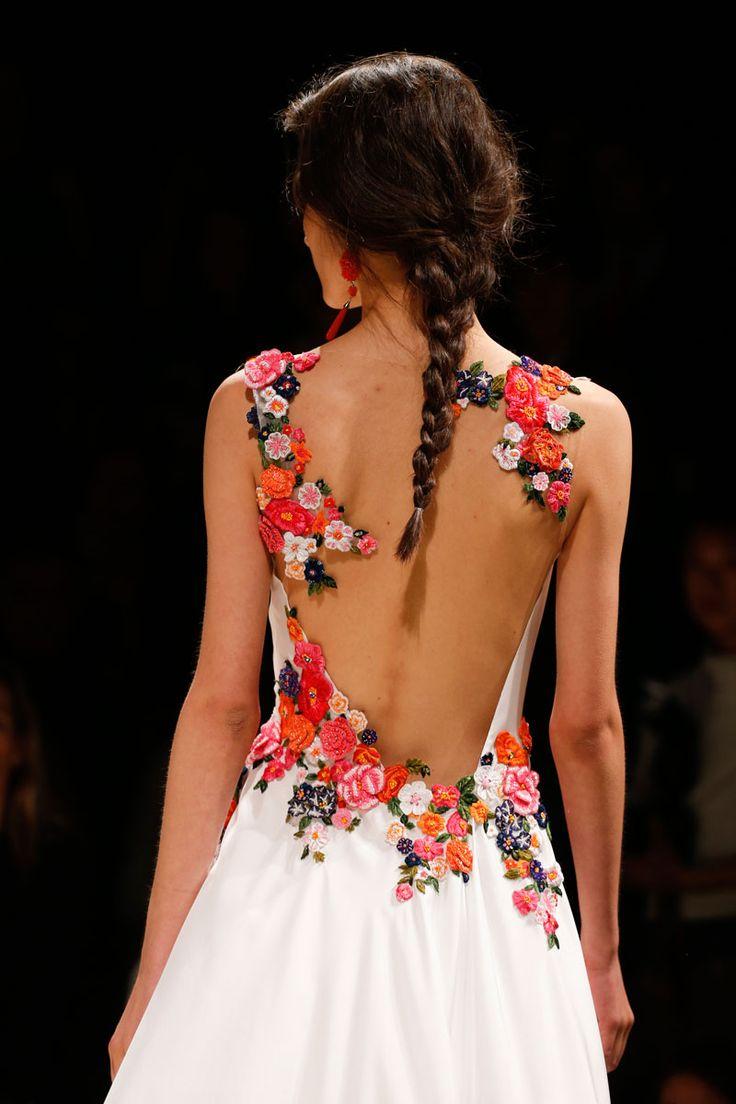 Alberta Ferretti Spring 2014 RTW - Details - Fashion Week - Runway, Fashion Shows and Collections - Vogue - La Primavera.