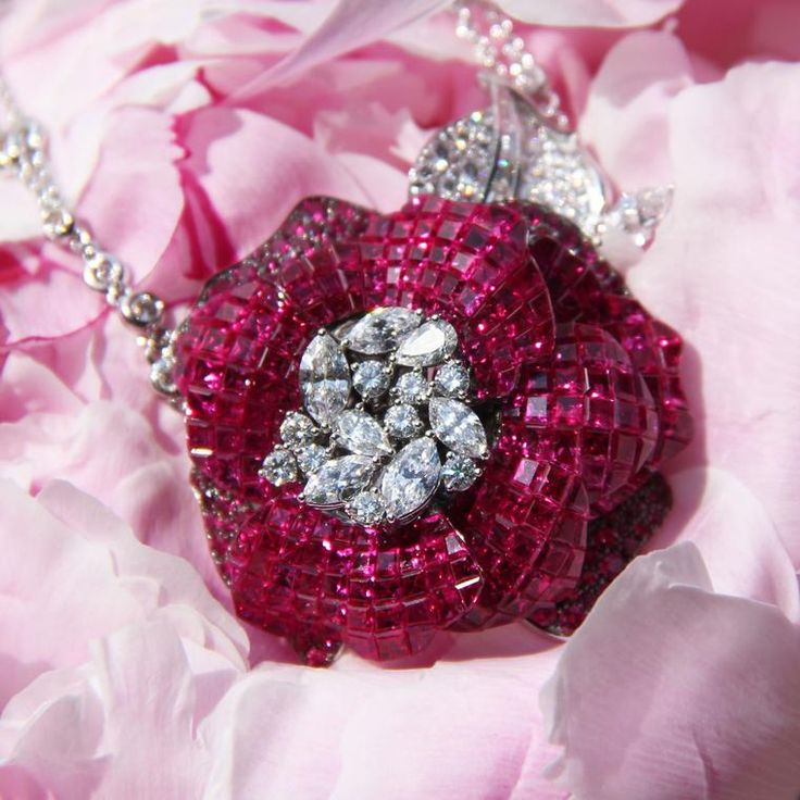 Stenzhorn Snow White and Rose Red flower necklace with rubies and diamonds. http://www.thejewelleryeditor.com/jewellery/article/stenzhorn-high-jewellery-myths-magic/ #jewelry