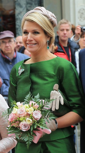 Queen Maxima on state visit to Luxemborg. Like this color scheme.