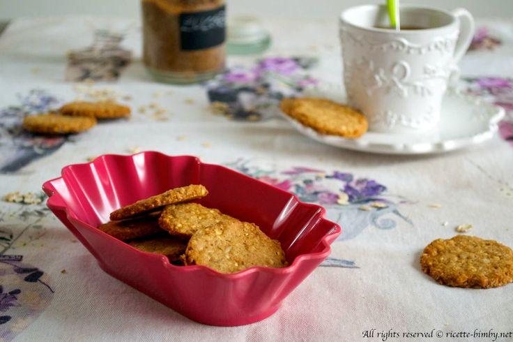I biscotti granceareale sono fatti con avena e farina integrale, perfetti per la colazione e soprattutto più genuini se preparati a casa. Leggi la ricetta bimby.