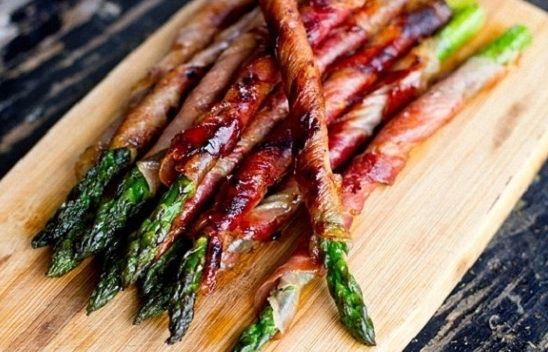 PRZEKĄSKI NA ODCHUDZANIE do 200 kalorii. Smaczne, można je szybko przygotować i są niedrogie. Mają też mnóstwo cennych witamin i składników odżywczych.