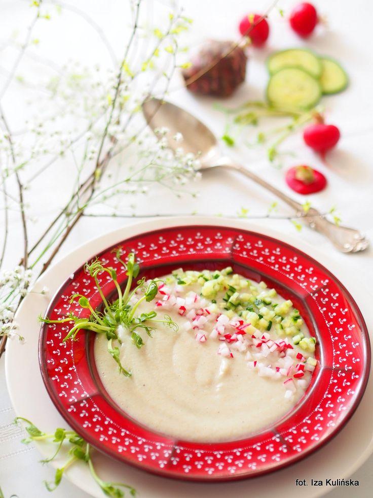 Smaczna Pyza: Zupa krem z topinamburu i amarantusa, z wiosennymi dodatkami