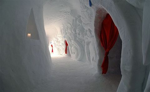 The Ice Hotel...Check out all of these Pics:)Igludorf Switzerland, Igloo Village, Buckets Lists, Iglu Hotels, Igludorf Zugspitze, Ice Hotels, Swiss Alps, Iglu Dorf, Igloo Hotels