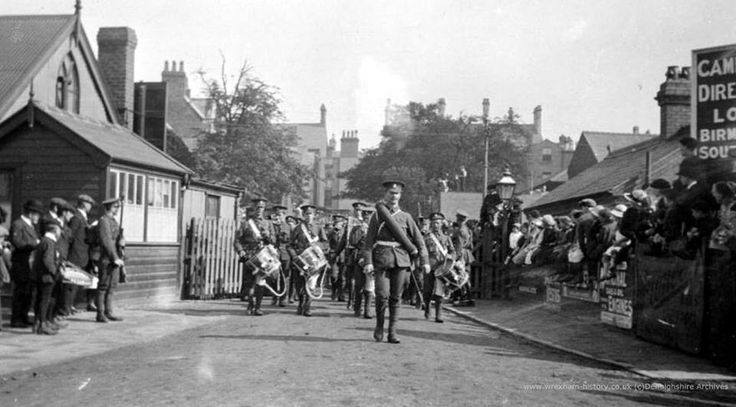 Royal Welch Fusiliers arriving at Wrexham Central Station WWI 7th Aug 1914.