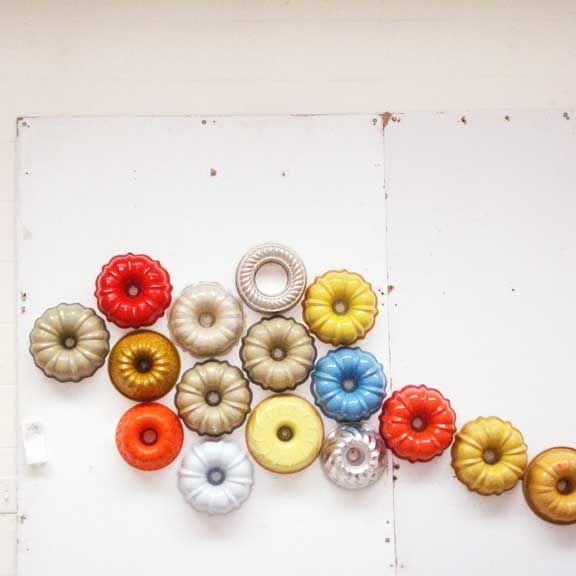 cake pan wallWall Art, Colors Pallets, Colors Combos, Wall Decor, Cake Pan, Bundt Pan, Colors Palettes, Bundt Cake, Buntings Cake