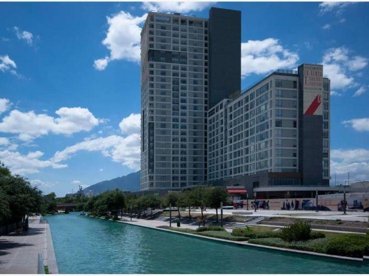 Departamento o casa entera en Monterrey, MX. -Ubicado en el centro de Mty. Muy cerca de la estación del metro y estaciones de autobuses -2 cajones de estacionamiento. -Gimnasio, skylounge, alberca, centro de negocios - El edificio está en las orillas del Paseo Santa Lucía, (zona turística) -...